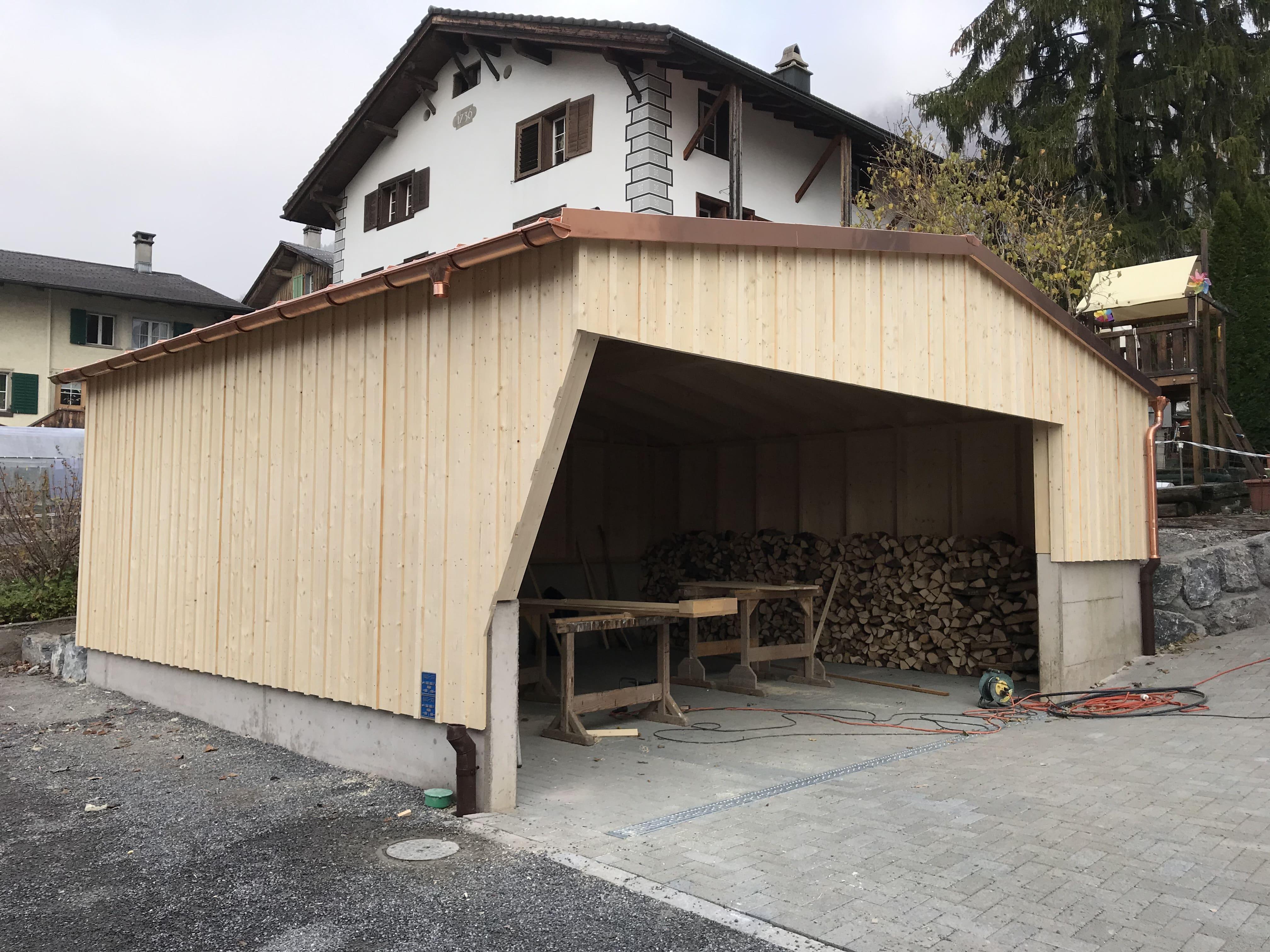 Ein Carport – auch hier gewinnt Holz